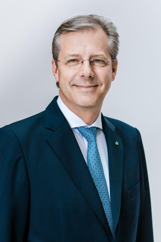 Председатель Правления и Генеральный директор Граве