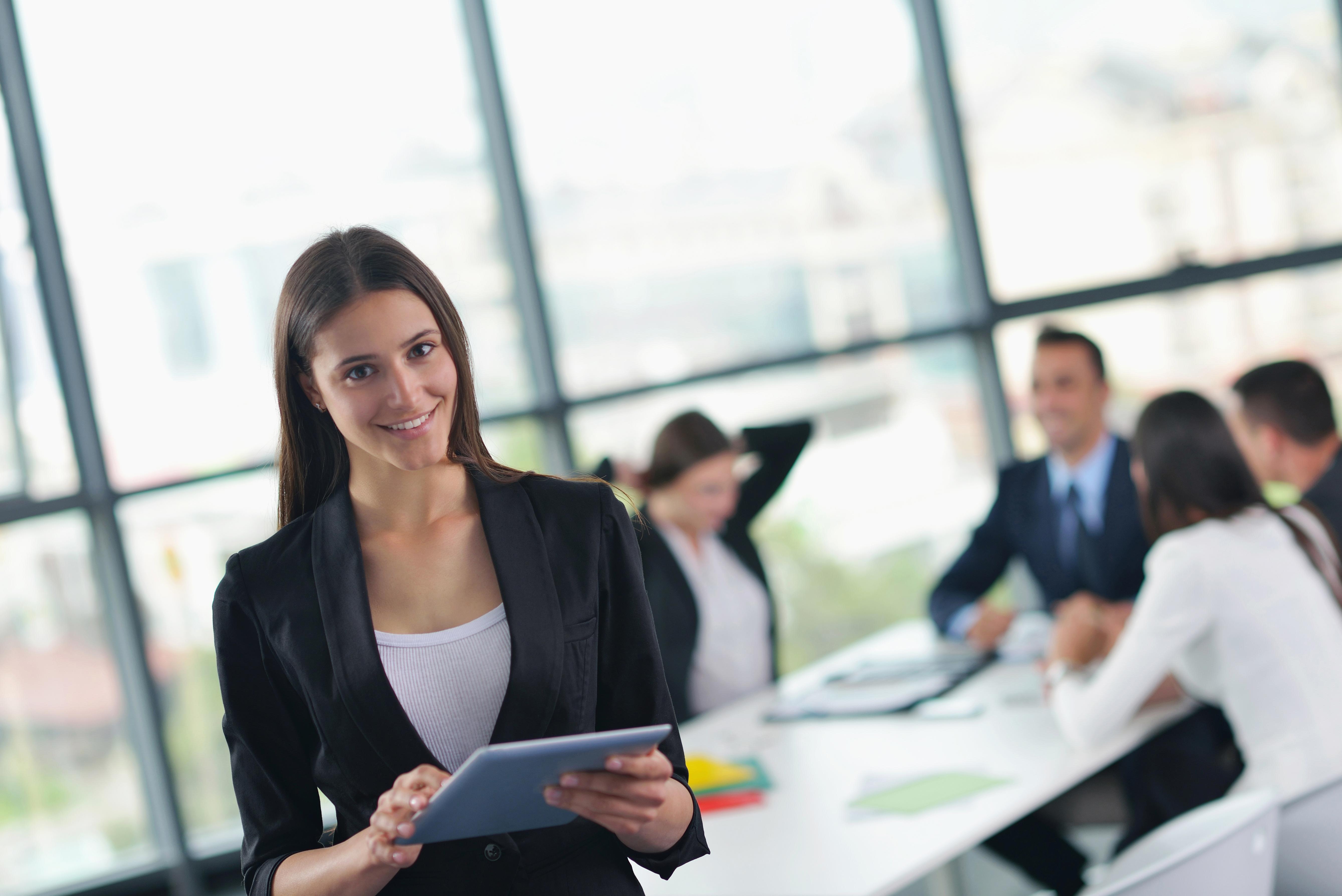 Продажа страхового полиса, консультационная поддержка клиента